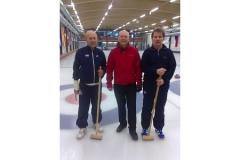 Příprava závodníků na soutěž v curlingu ve finském Rovaniemi